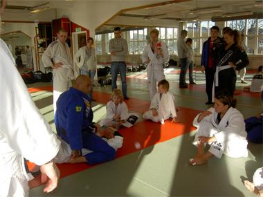 Marcelo instruerar
