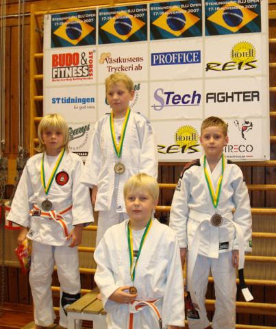 Medaljörer på juniorsidan, Isac, Alex och Filip från Stenungsund